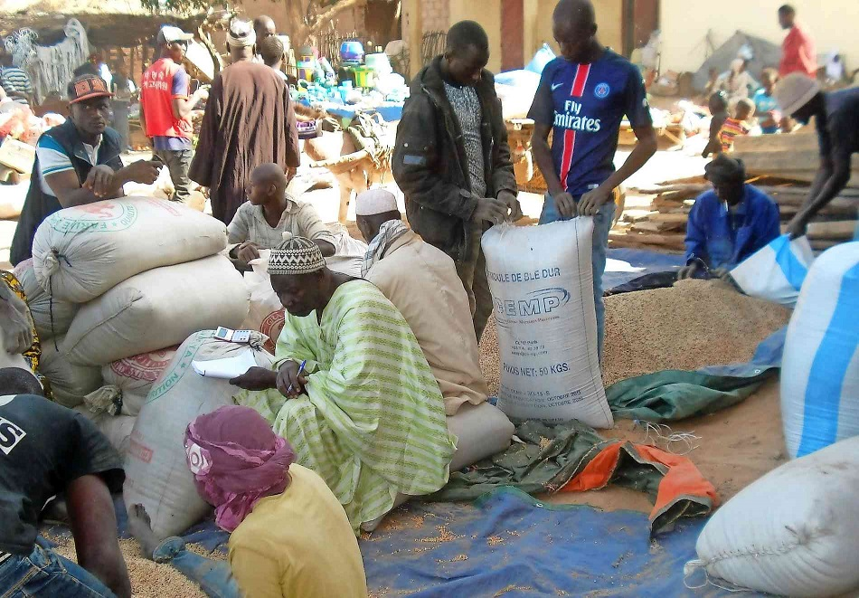Mali_Hilfe_Getreideeinkauf_Markt_950x661